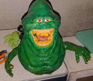 Slimer Figur bemalt mit grünem lumentics-Leuchtpulver